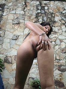 A crazy latina shows her new friend a nice time in th bed room