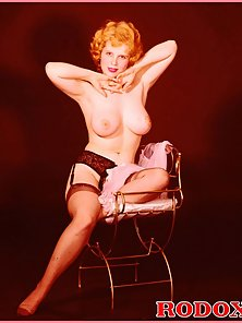 Vintage hot and very sexy big retro boobies naked pictures