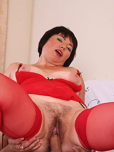 Chubby older gal Anna Satisfies Horny Guy