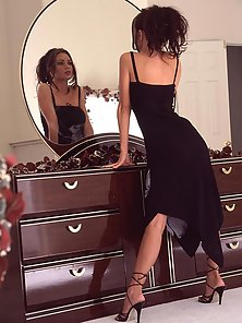 Crissy Moran gets nude in front of the mirror