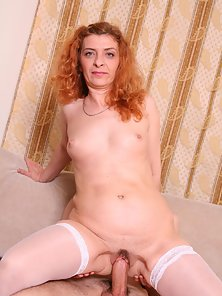 Mature cam model Ania Rides Hard Dick