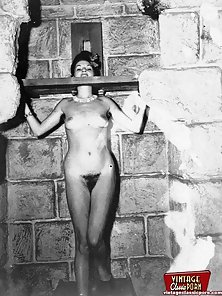 Horny vintage girls doing bondage porn with strong ropes