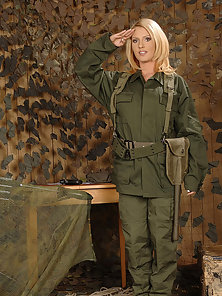 Sexy military blonde trying the fucking machine