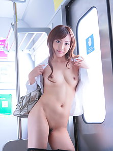 Asian beauty Mami Asakura gets naked in public