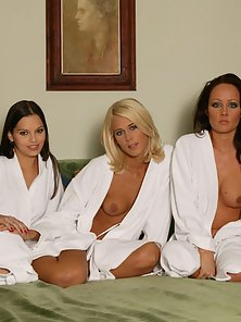 3 Hot babes licking sweet pussy on the bed