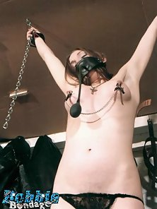 Tied up cutie gets her nipples hit with a riding crop