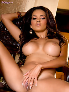 Daisy Marie slowly stripping off her clothes