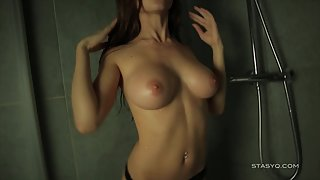 Lusty Lady with Round Butt Teasing and Squeezing Pussy for Fun in Shower